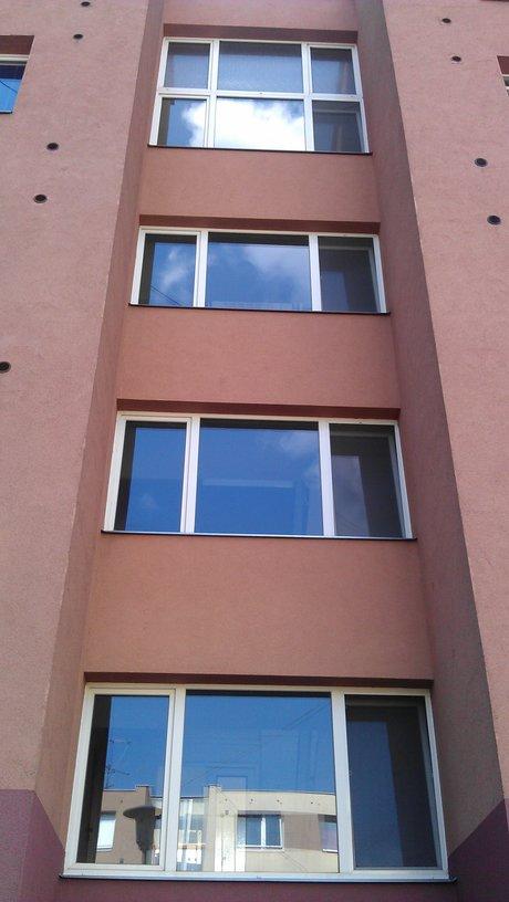 Profi úklid, mytí oken a výloh Praha 8