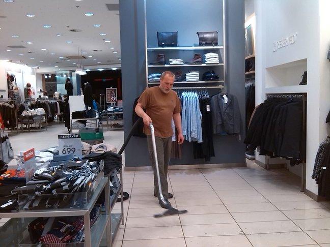 Voskování, strojní čištění podlah Praha